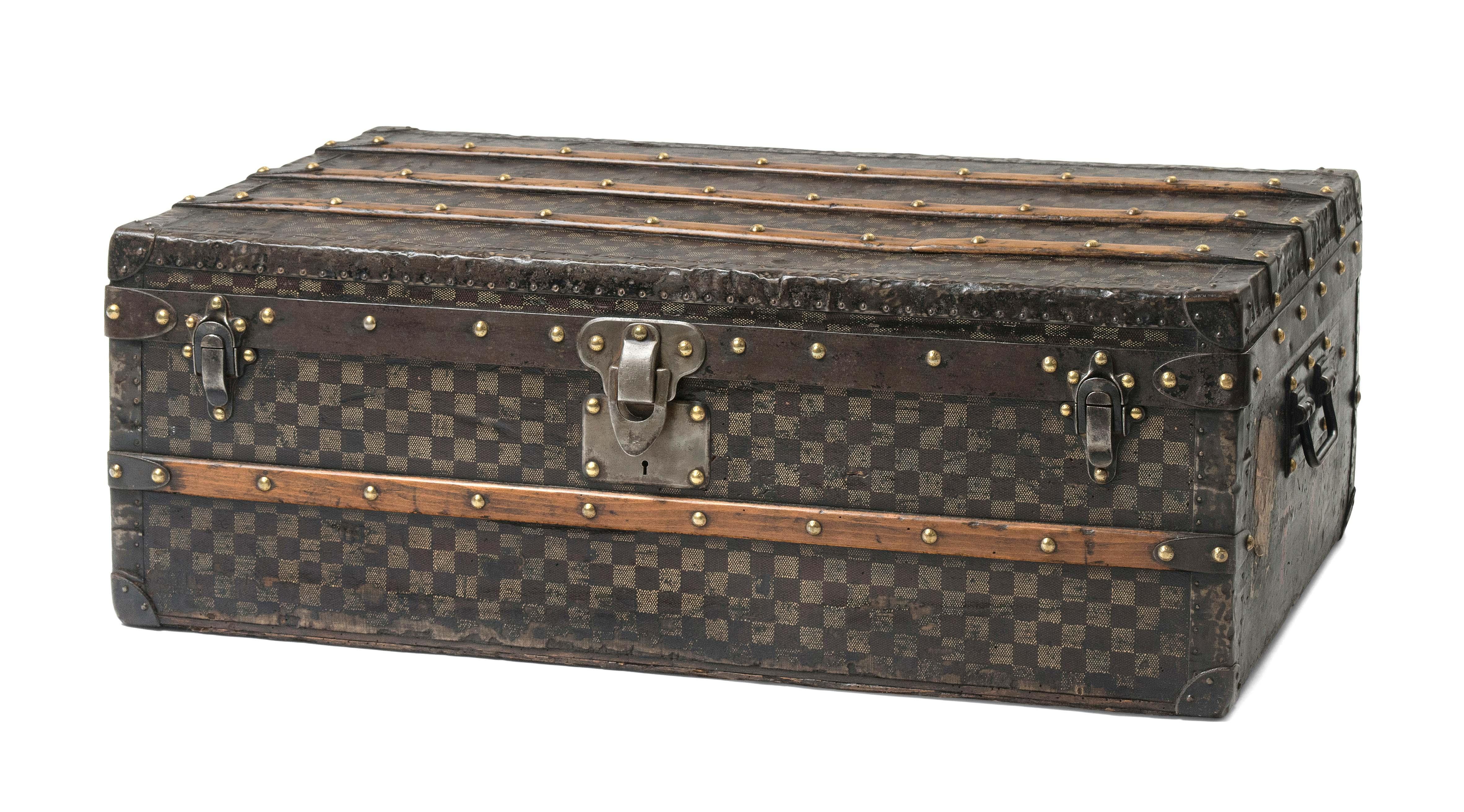 louis vuitton malle cabine 1889 1899 schuler. Black Bedroom Furniture Sets. Home Design Ideas